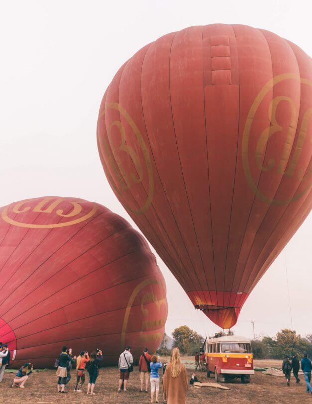 bagan guide hot air balloon