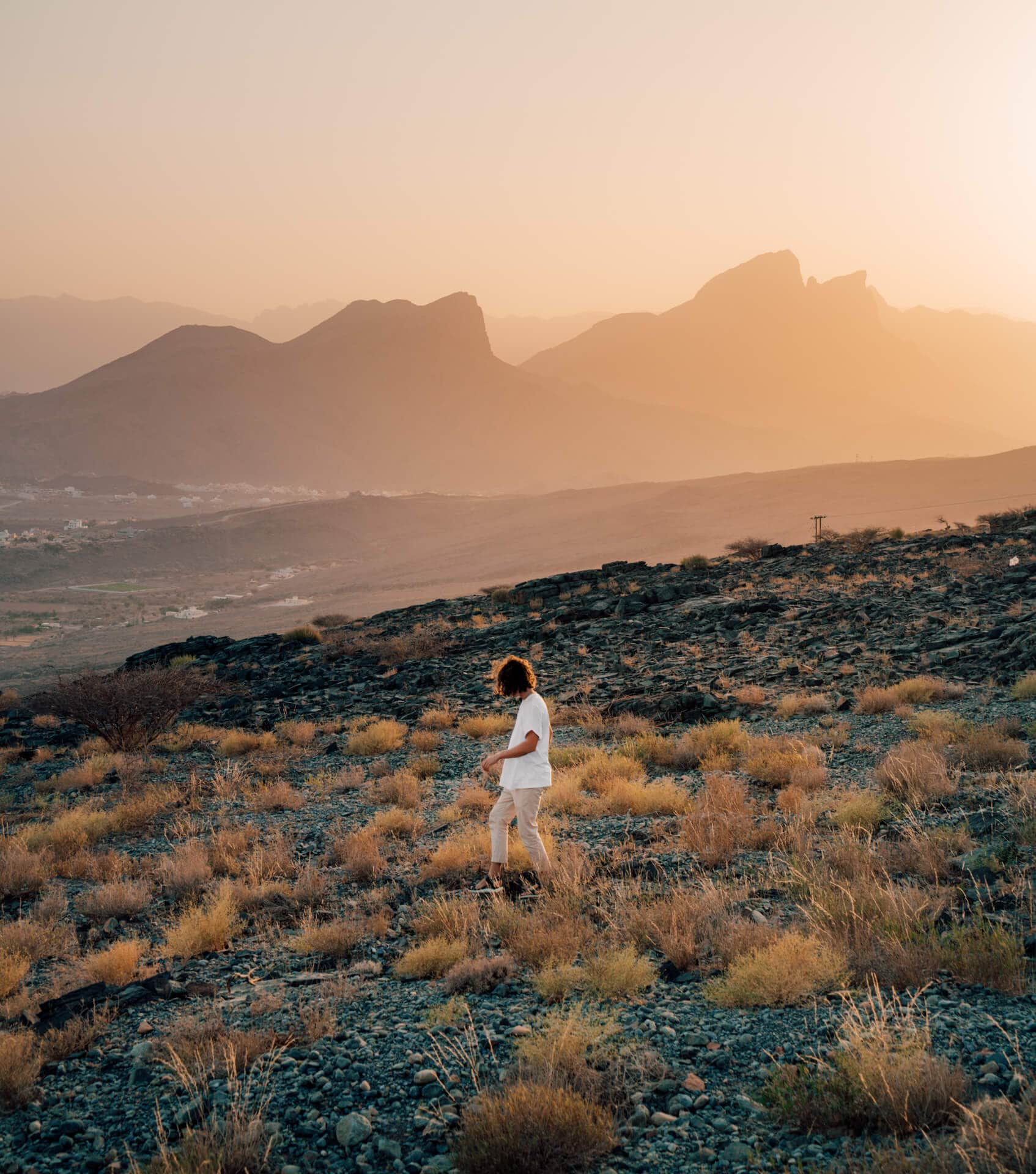 things to do in oman mountains misfah