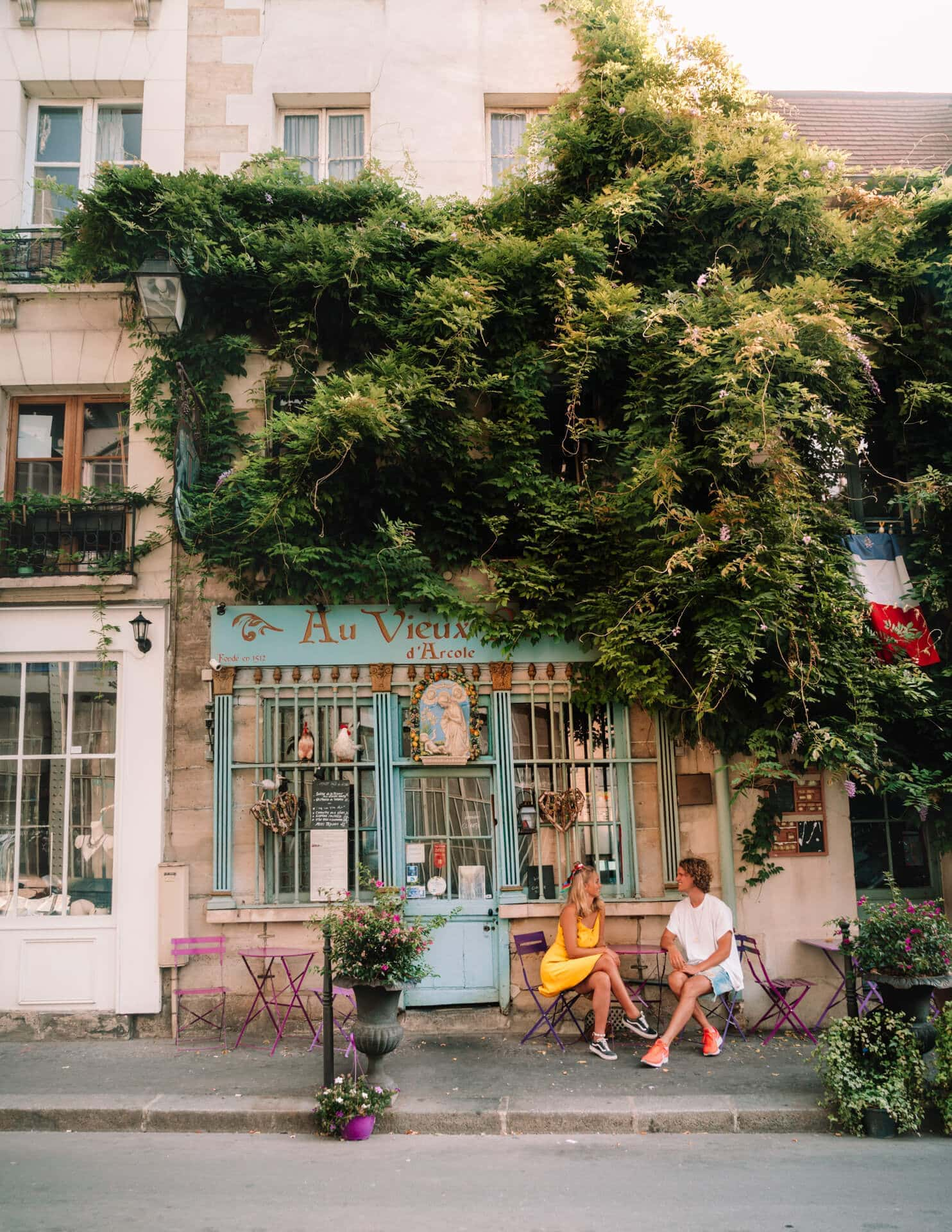 paris city trip guide cafe Au Vieux Paris d'Arcole