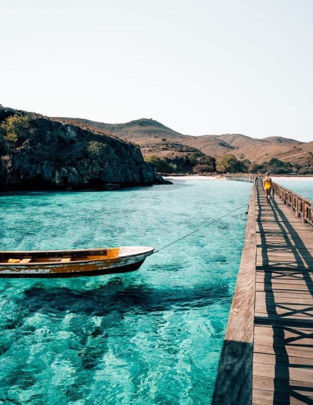 komodo islands flores pink beach bridge