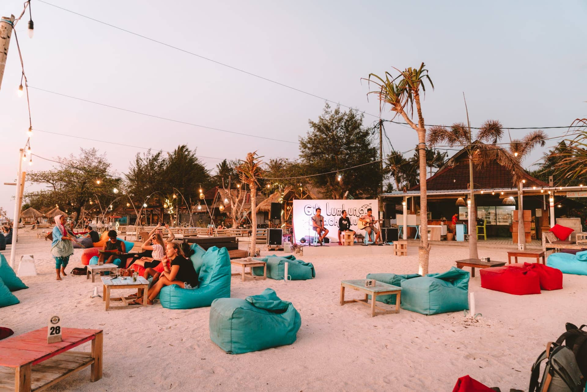 things to do gili air spa live music