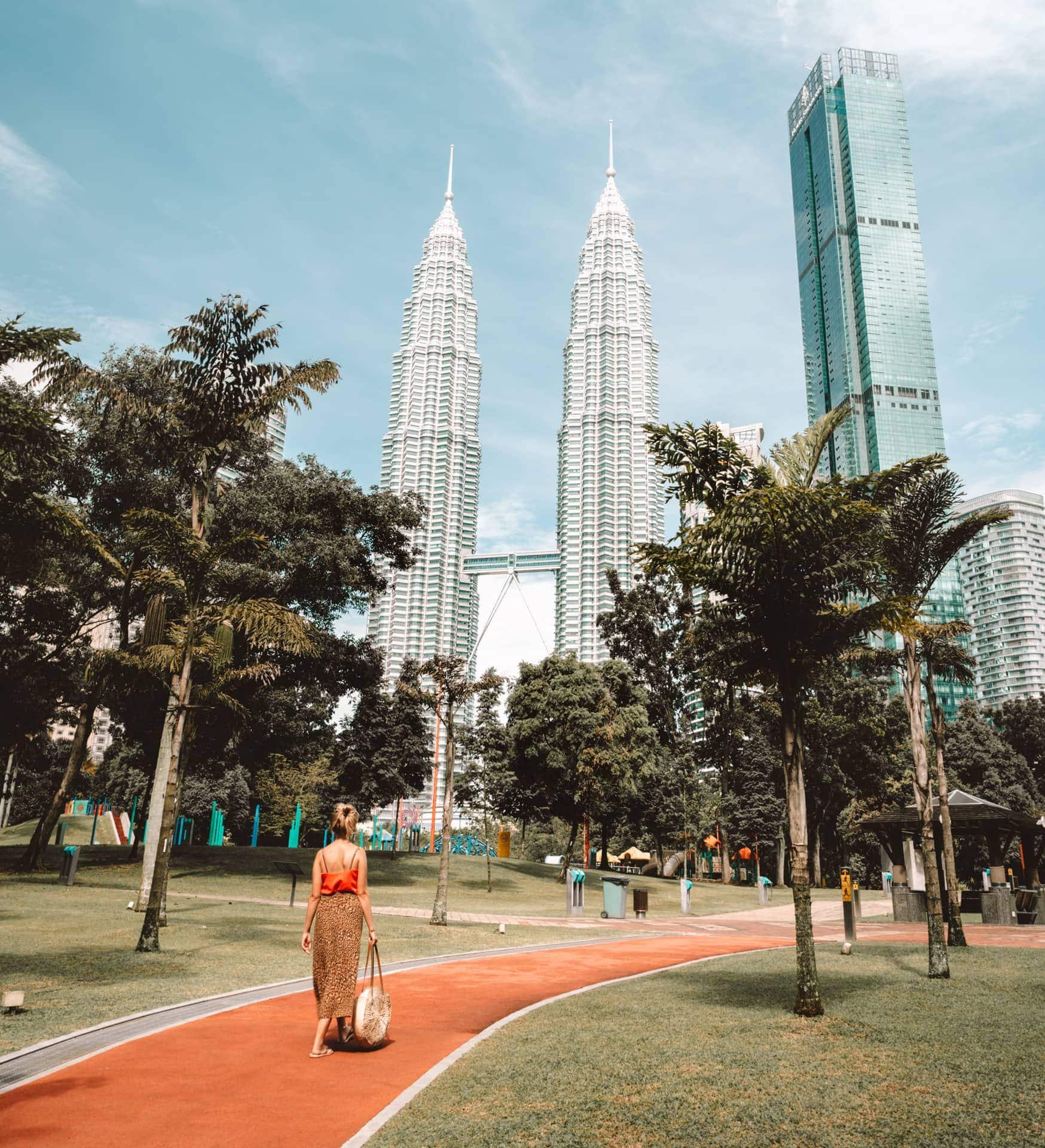 things to do kuala lumpur petronas towers klcc park