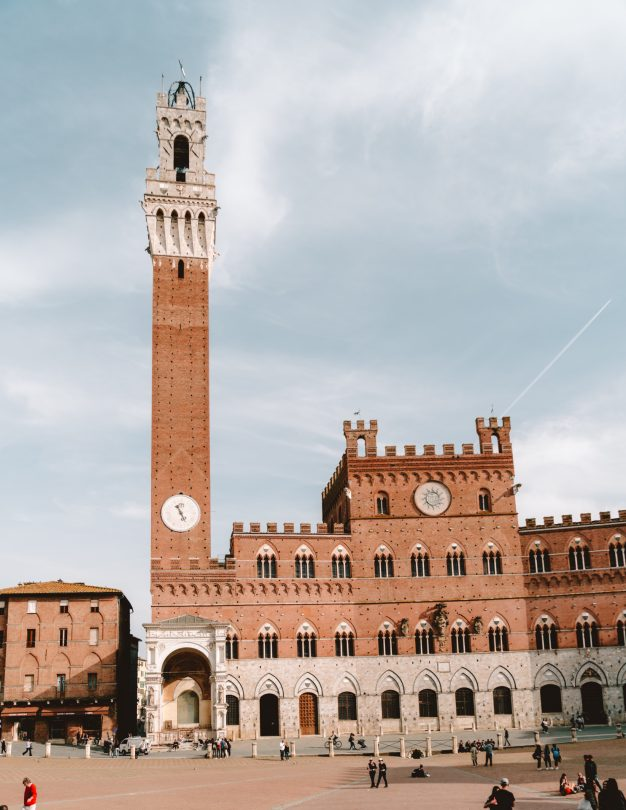 italy travel guide siena Piazza del Campo