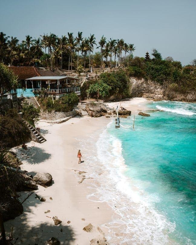 nusa ceningan Mahana Point beach
