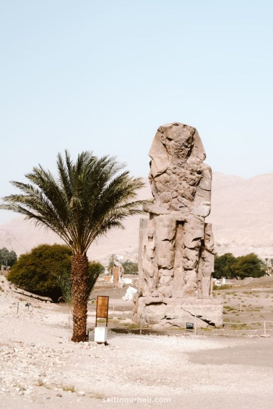 luxor travel guide Colossi of Memnon